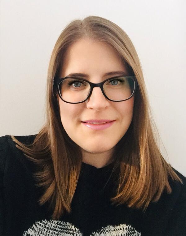 Moodthology Papery Lisa Moodthology Designer